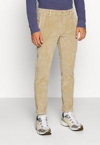 Levi's® - STD II - Spodnie materiałowe - sand/beige - 0