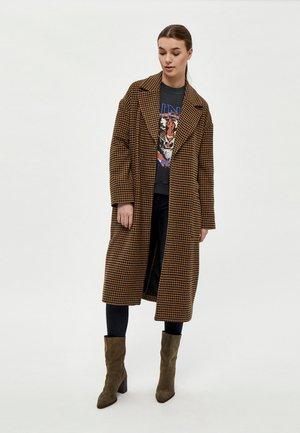 GYDA  - Trenchcoat - rubber brown pr