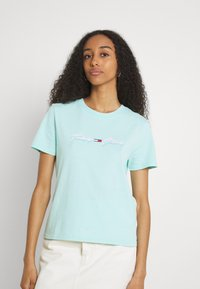 Tommy Jeans - LINEAR LOGO TEE - T-shirts med print - aqua coast - 0