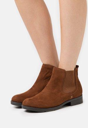 Kotníková obuv - chestnut