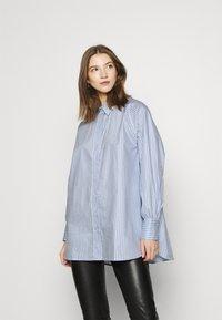 EDITED - ELISE - Button-down blouse - blau - 0