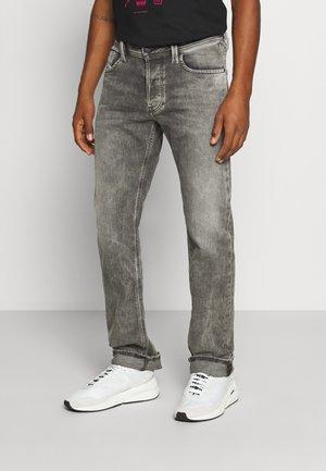 LARKEE-X - Jeans straight leg - grey denim