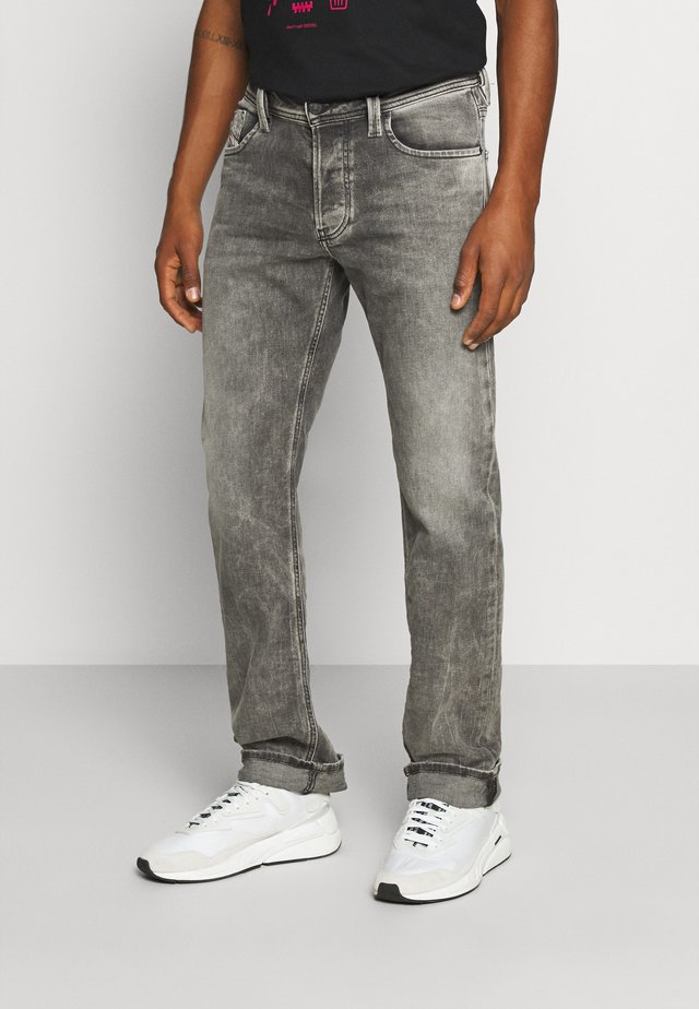 LARKEE-X - Straight leg jeans - grey denim