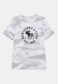 Abercrombie & Fitch - HIKE BEAST TECH LOGO - T-shirts print - grey - 0