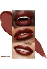Smashbox - BE LEGENDARY PRIME & PLUSH LIPSTICK - Lipstick - 13 disorderly - 2