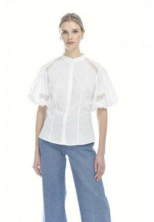 BAUNY - Button-down blouse - bianco