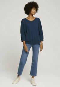 TOM TAILOR - LOOSE MIT STRUKTUR - T-shirt à manches longues - denim blue - 1