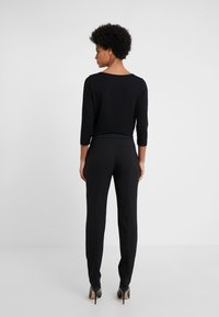 HUGO - THE CROPPED TROUSER - Pantalones - black - 2