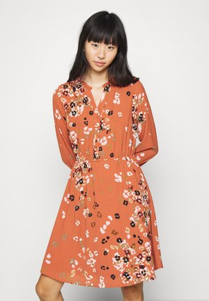 VMAYA NECK DRESS - Shirt dress - auburn