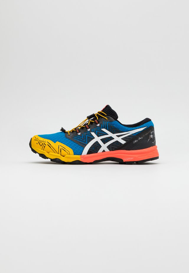 GEL FUJITRABUCO SKY - Trail running shoes - directoire blue/white