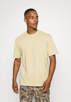 TEE - Jednoduché triko - sepia