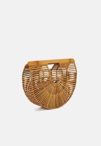 Cult Gaia - ARK SMALL TOP HANDLE - Handbag - natural - 1