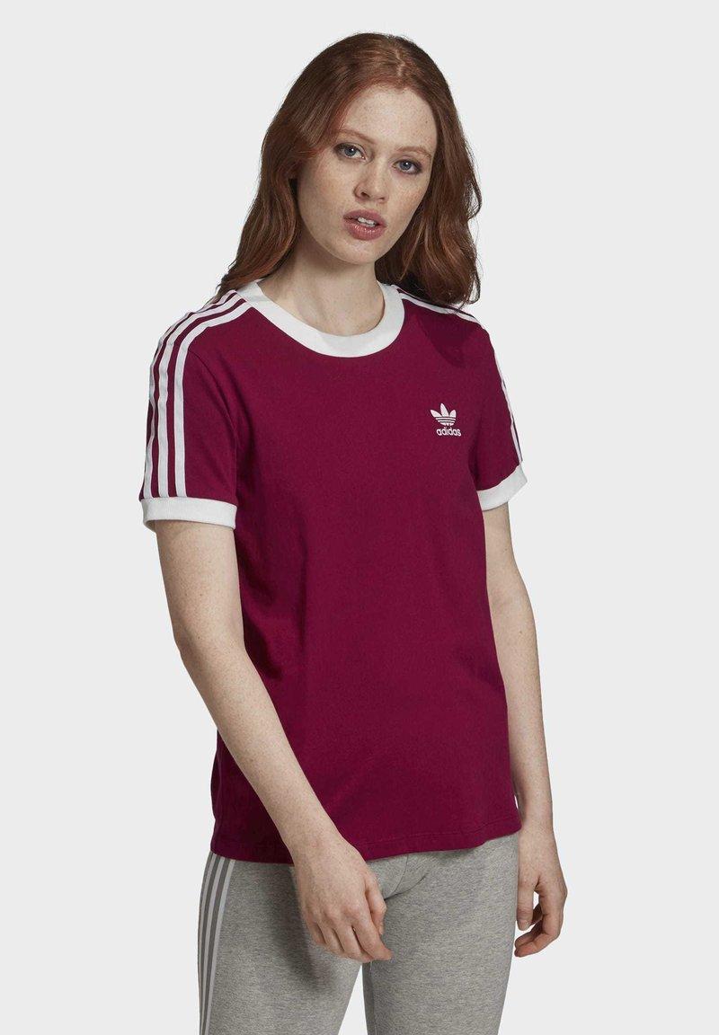 adidas Originals - T-Shirt print - power berry/white