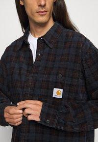 Carhartt WIP - FLINT SHIRT - Overhemd - Tobacco - 7