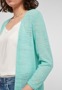 Q/S designed by - Cardigan - turquoise - 3