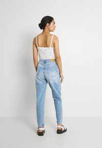 Gina Tricot - VINTAGE HIGH WAIST  - Relaxed fit jeans - mid blue - 2
