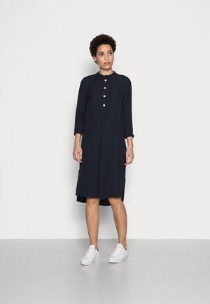 IGIRI - Skjortklänning - global blue