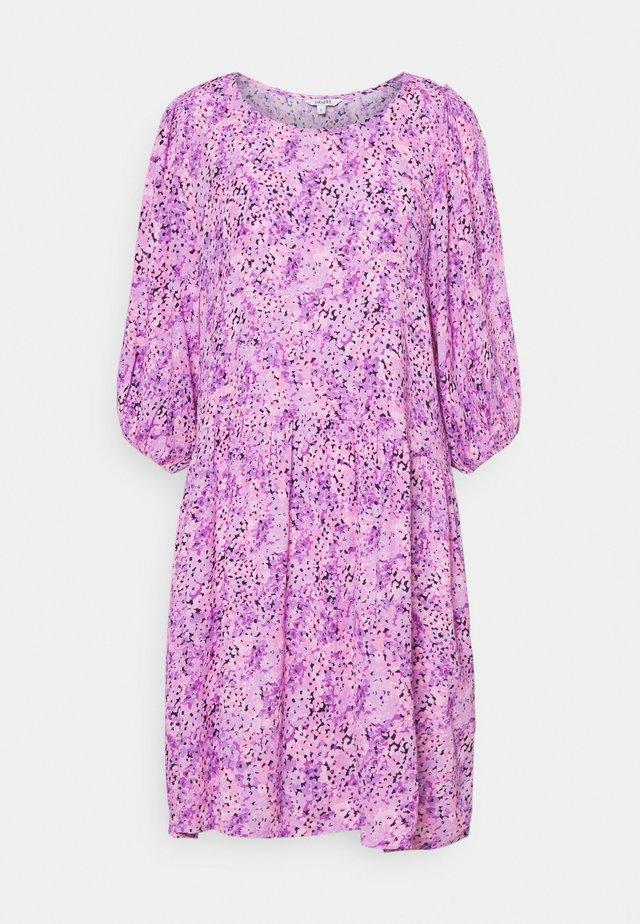 REYA - Vapaa-ajan mekko - pink