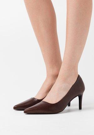 CLINIALA  - Tacones - dark brown