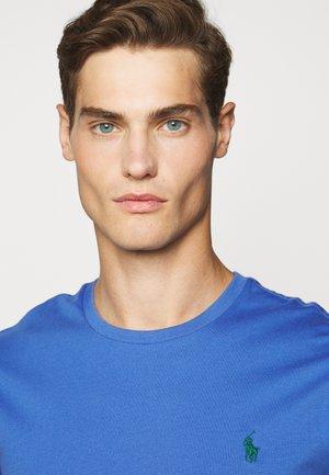 Basic T-shirt - indigo sky