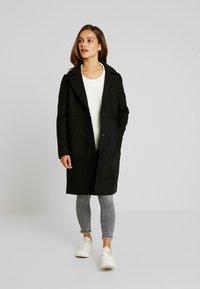 Noisy May Petite - CLAUDIA PETITE - Classic coat - black - 0