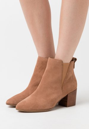 RYELAND - Ankle boots - medium brown