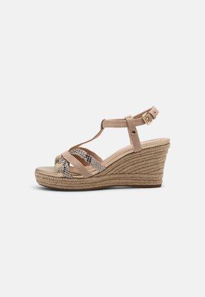 SOLEIL - Sandały na platformie - sand/beige