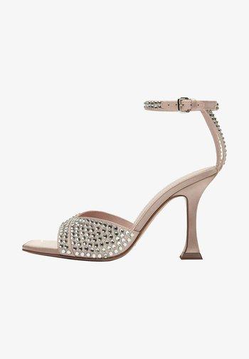 Sandały - beige
