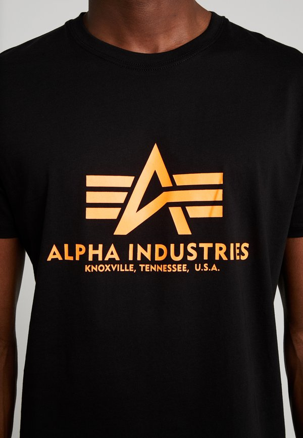 Alpha Industries RAINBOW - T-shirt z nadrukiem - black /neon orange/czarny Odzież Męska KWVM