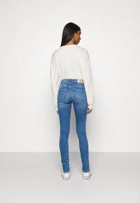 ONLY - ONLPAOLA LIFE - Jeans Skinny Fit - light medium blue denim - 2