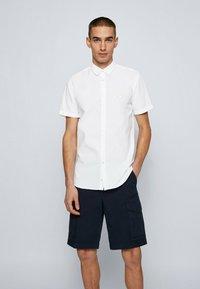 BOSS - MAGNETON - Shirt - weiß - 0
