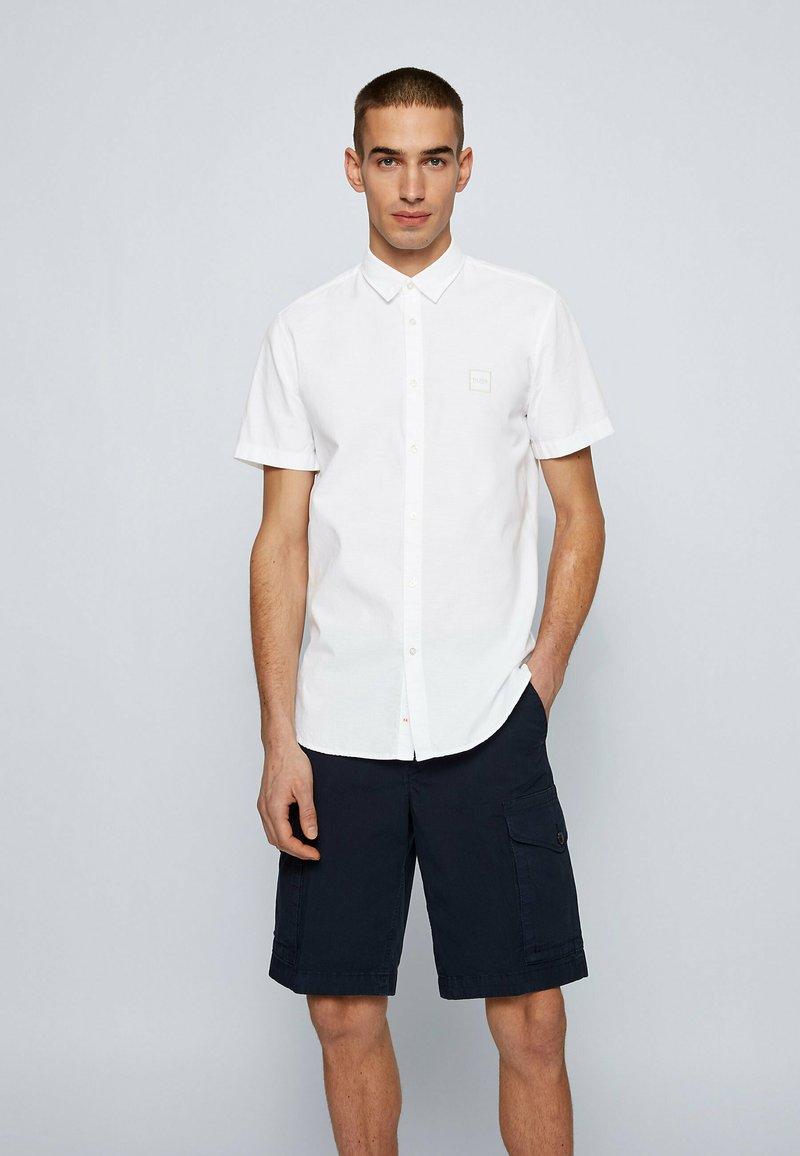 BOSS - MAGNETON - Shirt - weiß