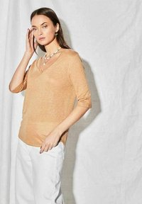 Not Shy - Long sleeved top - haselnuss - 0