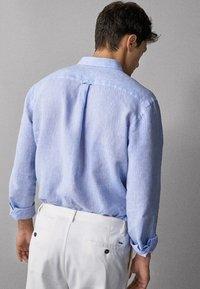 Massimo Dutti - IM REGULAR-FIT - Shirt - light blue - 1
