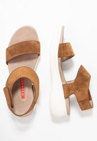 Weekend by Pedro Miralles - Sandály na platformě - light brown - 3