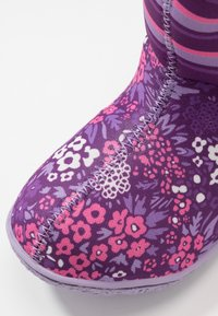 Bogs - BABY GARDEN - Winter boots - purple/multicolor - 2