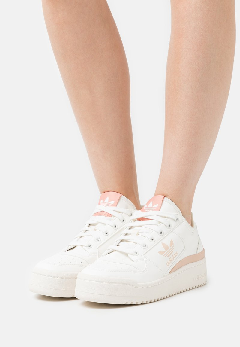 adidas Originals - FORUM BOLD - Joggesko - cloud white/offwhite/ambient blush
