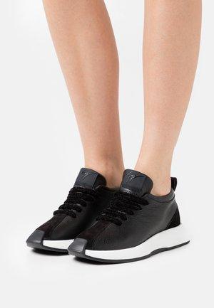 OMNIA - Sneakers laag - arena/nero