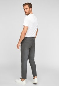 Q/S designed by - SLIM FIT - Trousers - anthracite - 2