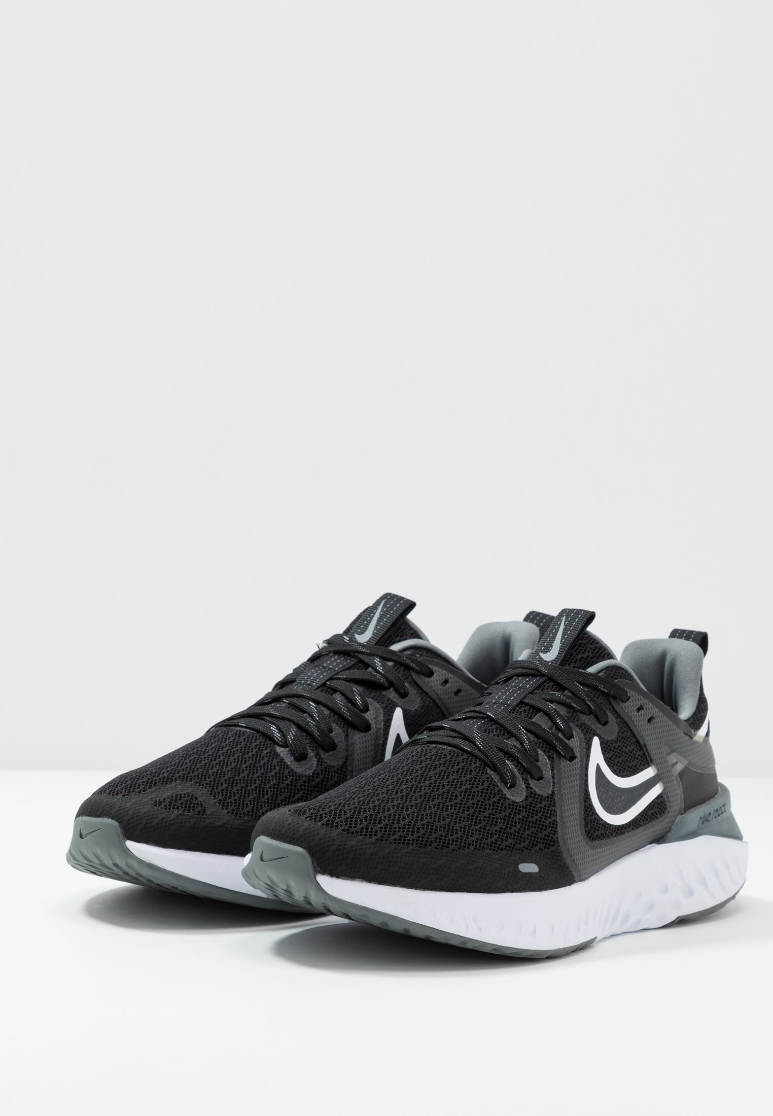 Nike Performance LEGEND REACT 2 Nøytrale løpesko black