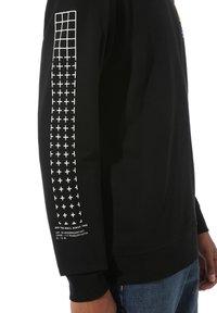 Vans - MN 66 SUPPLY CREW - Sweatshirt - black - 1