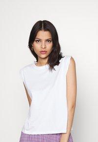 Even&Odd - T-shirts - white - 3