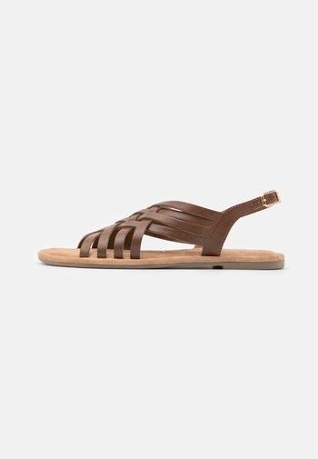 Sandały - nut