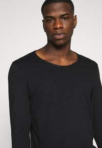 Jack & Jones - JJDETAIL  - Long sleeved top - black - 3