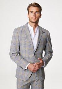 Baldessarini - Suit - grau/gelb - 1