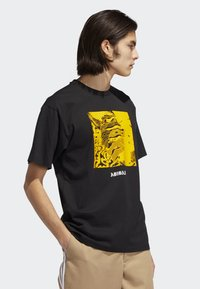 adidas Originals - MANOLES ALIAS T-SHIRT - Print T-shirt - black - 3