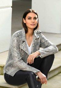 Alba Moda - Faux leather jacket - grau - 1