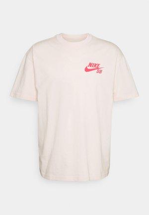 TEE LOGO UNISEX - Print T-shirt - orange pearl