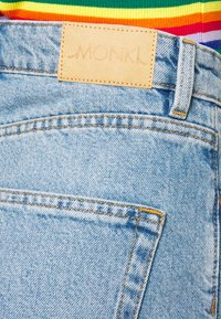 Monki - TALLIE - Shorts di jeans - blue medium dusty - 3