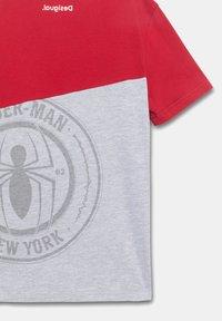Desigual - MARVEL - Print T-shirt - red - 3